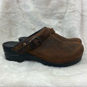 DANSKO INGRID BROWN OILED LEATHER OPEN BACK CLOGS Back heel strap size 40/9.5/10